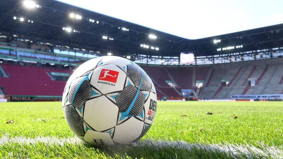 Funktionierende Fußballsaison trotz Krisenzeit: Die DFL will mehrere Änderungen durchführen.