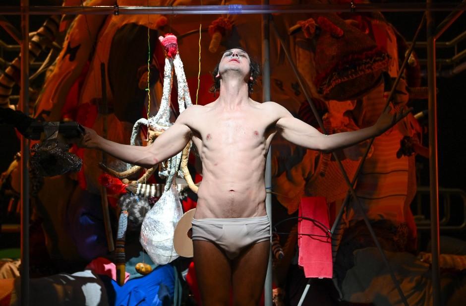 Lars Eidinger ist der Cristiano Ronaldo des deutschen Theaters, meint unser Autor.