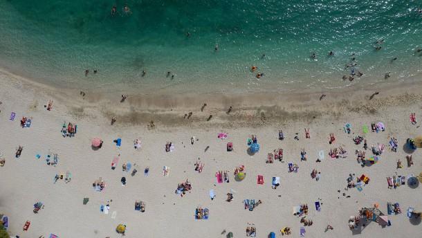 Anleger wetten auf die große Urlaubswelle