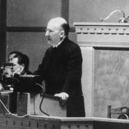 Plädiert für eine verantwortungsbewusste Außenpolitik: Reichskanzler Heinrich Brüning (Archivfoto 1931).