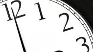 Kommendes Wochenende wird die Uhr wieder eine Stunde vorgestellt. Oder war es andersherum?