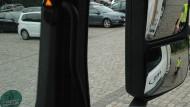 Klein, mit großer Wirkung: Abbiege-Assistent in einem Frankfurter Müllauto