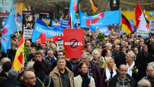 AfD in Ostdeutschland bei 16 Prozent