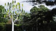 Windbaum produziert leise und sauber Strom
