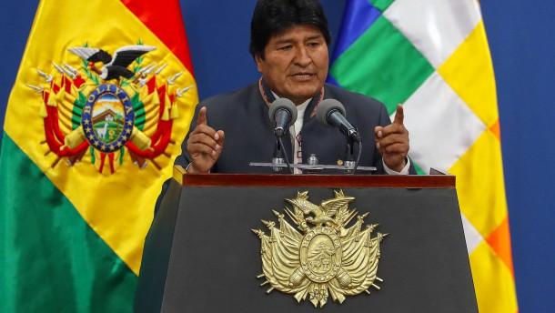 Präsident Morales kündigt Neuwahlen an