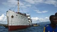 Deutsches Kriegsschiff transportiert heute Passagiere