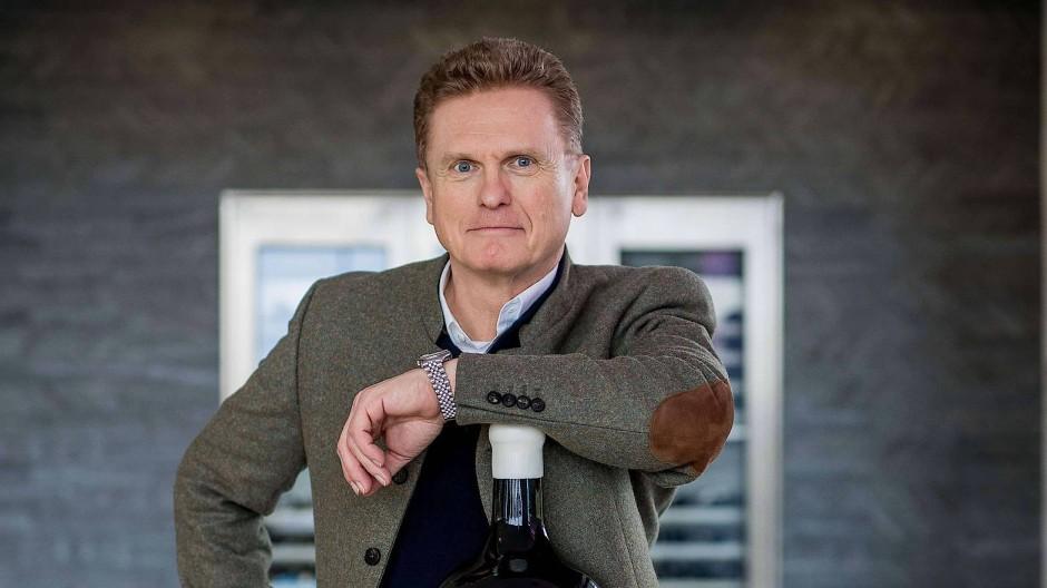 Wilhelm Weil vom Rheingauer Weingut Robert Weil präsentiert 2018 seinen neuen Spitzenriesling den Monte Vacano Balthazar