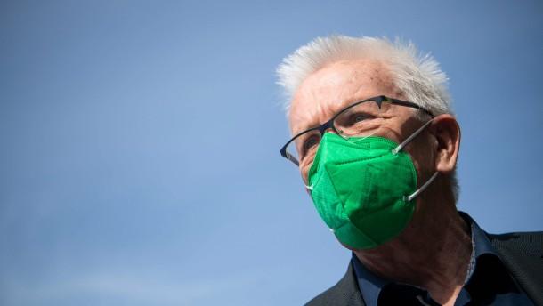 Grüne und CDU in Baden-Württemberg stimmen Koalitionsvertrag zu