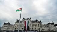 Amerika verbietet ungarischen Beamten die Einreise