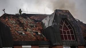 Patientin könnte Brand in Krankenhaus gelegt haben