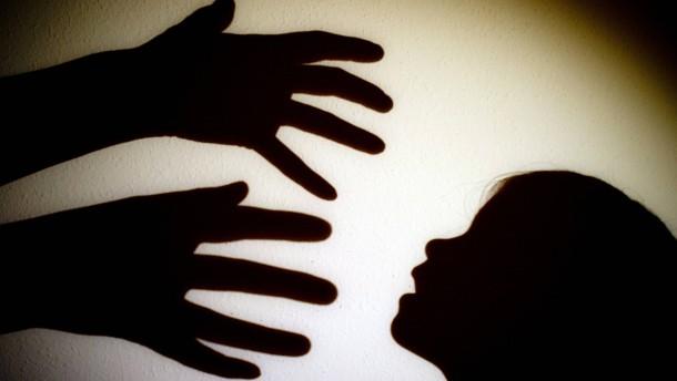Negative Kindheitserfahrungen sorgen oft für Depressionen