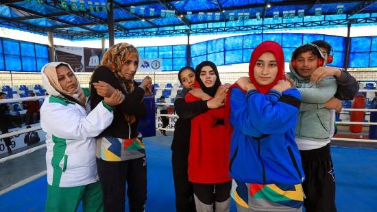 Pakistanische Boxtrainerin kämpft gegen Rollenstereotype
