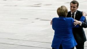 Merkel empfängt Macron