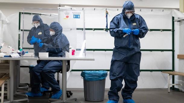 Weniger als 10.000 Neuinfektionen, Inzidenz steigt wieder an
