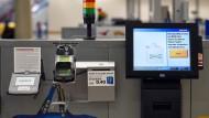 Selbstbedienung 2.0: Eine Kasse zum Selber-scannen von Ikea