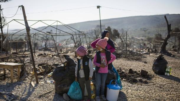 Verzweiflung nach Brand im Flüchtlingslager Moria