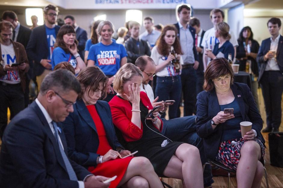 Unterstützer der Kampagne für den britischen EU-Verbleib am Abend des verlorenen Referendums