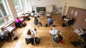 Hessen plant weitere Öffnung der Schulen und Kitas