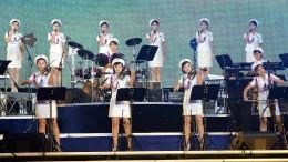 Eine Girlband für Kim Jong-un