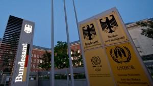 Behörden ignorierten Tausende Hinweise auf Kriegsverbrecher