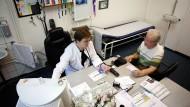 Noch wird der Arztvorbehalt groß geschrieben: Sprechstunde beim Landarzt