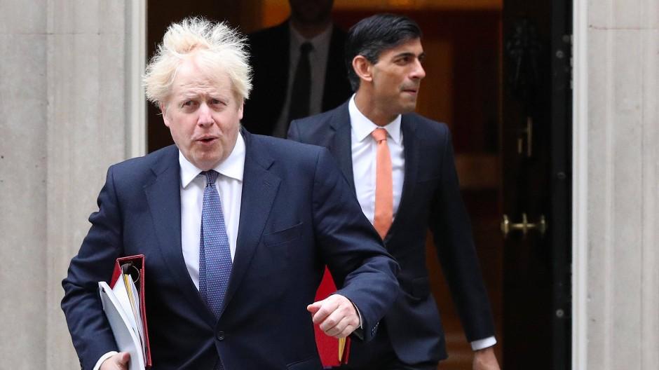 Nach Kontakt mit dem an Covid-19 erkranktem Gesundheitsminister: Auch der britische Premierminister Boris Johnson wollte sich zunächst täglich testen lassen, statt in Quarantäne zu gehen.