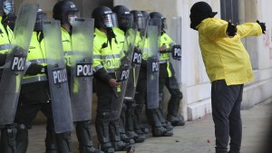 Proteste gegen Polizeigewalt erschüttern Kolumbien