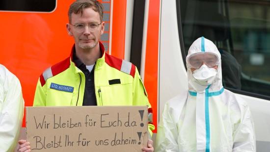 Kölner Feuerwehr zeigt Anti-Corona-Maßnahmen