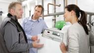 Öl-Brennwerttechnik bietet einen vergleichsweise günstigen Einstieg in die Energiewende.