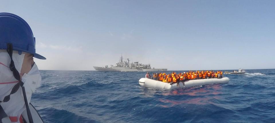Bildergebnis für Bilder Schlepperboote vor Libyen