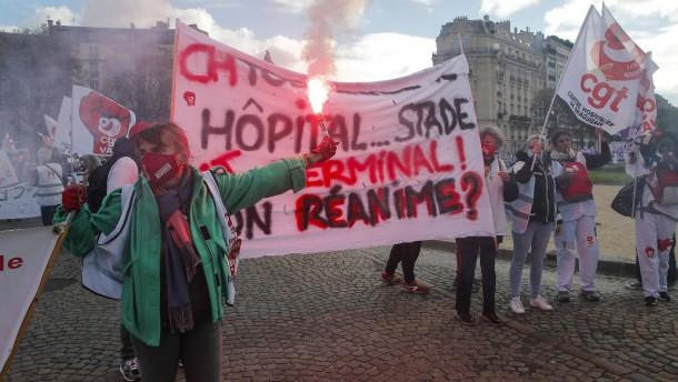 Gesundheitspersonal in Frankreich demonstriert