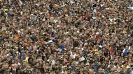 Wie viele Menschen leben im 22. Jahrhundert auf der Erde? Eine Prognose kam auf 36 Milliarden.