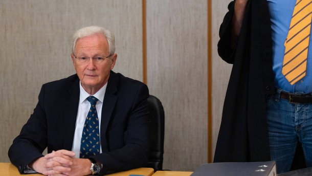 Eschborner Bürgermeister geht gegen Urteil vor