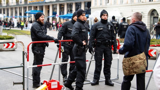 Fast 4000 Polizisten im Einsatz