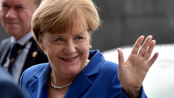 Macht sich Merkel strafbar?