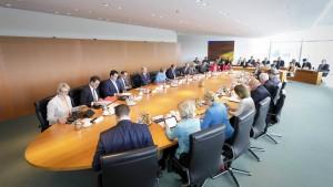 Merkel lenkt im Streit um Grundrente ein