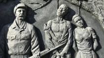 Ein Denkmal zur Erinnerung an Völkermord an den Herero und Nama in der namibischen Hauptstadt Windhoek