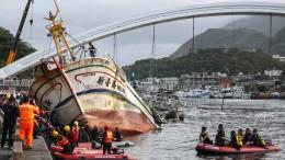 Mehrere Leichen in Taiwan geborgen