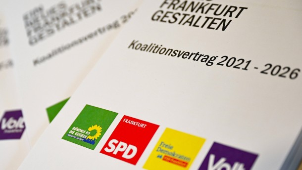 Grüne und SPD machen Weg frei zur neuen Koalition in Frankfurt