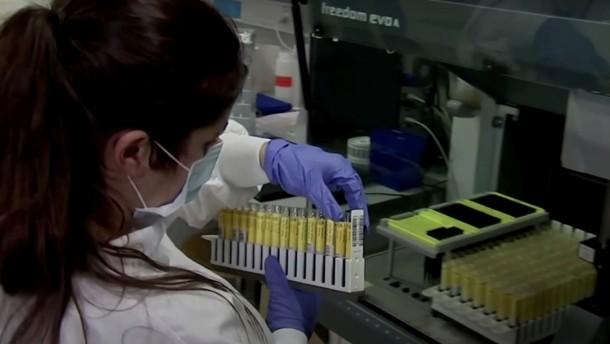 Erstmals Infektion mit zwei Covid-19-Varianten festgestellt