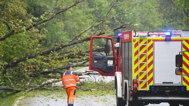 Bundesstraße bei Königsstein nach Unwetter weiterhin gesperrt