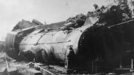 Schweres Zugunglück bei Nannhofen. Das Foto zeigt eine der beteiligten Lokomotiven. Bei dem Unfall starben 30 Menschen.