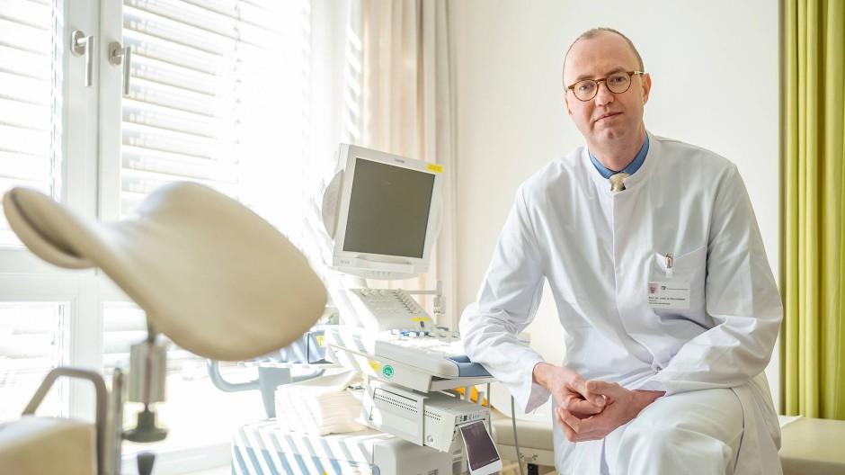 Neugierig auf andere Fachbereiche: Amadeus Hornemann, Chefarzt für operative Gynäkologie am Krankenhaus Sachsenhausen