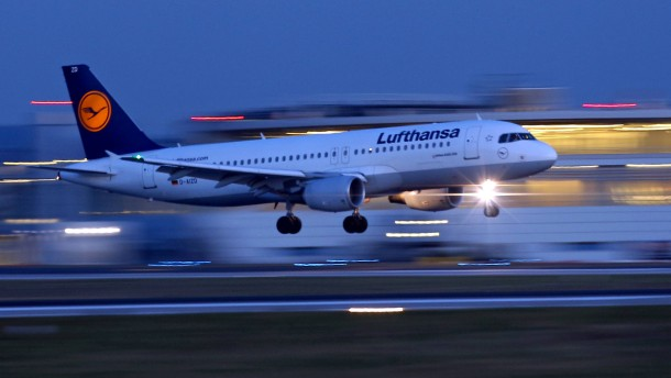 Lufthansa bittet Kunden um Entschuldigung