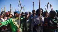 Südafrika: Streikende Minenarbeiter treiben den Preis