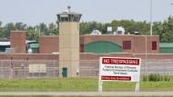 Mehr als 30.000 Gefängnisinsassen haben Arbeitslosengeld aus dem Pandemie-Fonds der amerikanischen Regierung beantragt.