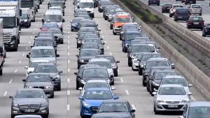 Hessens Autofahrer stehen länger im Stau