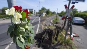Bahnstrecke wird nach tödlichem Unfall schrittweise freigegeben