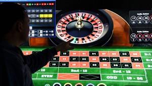 Hamburg geht gegen Glücksspielanbieter im Netz vor