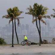 Mai 2020: Ein Tiefdruckgebiet bewegt sich in Richtung der Bahamas und wurde zum ersten benannten Sturm der Hurrikan-Saison.
